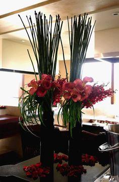 Vertical vase arrangement
