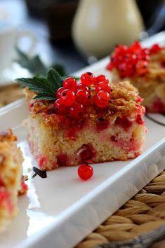 Kakkuviikarin vispailuja!: Punaherukkapiirakka Desert Recipes, Cheesecake, Deserts, Pie, Baking, Food, Torte, Cake, Cheese Cakes