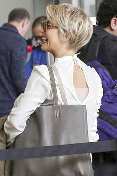 Hair love!!! Julianne hough ... Pixie crop