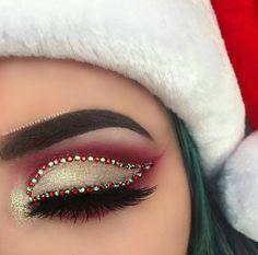 Creative And Gorgeous Christmas Makeup Ideas For The Big Holiday; Christmas Makeup Looks; Holiday Makeup Looks; Makeup Goals, Makeup Inspo, Makeup Inspiration, Makeup Tips, Beauty Makeup, Makeup Ideas, Hair Beauty, Makeup Box, Cute Makeup