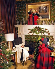 Santa Claus is coming to town and hitting our Chicago store!