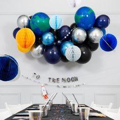 Balloon Cloud Kit - Space – The Original Party Bag Company Dinosaur Balloons, 16 Balloons, Bubblegum Balloons, Balloon Clouds, White Balloons, Latex Balloons, Diy Balloon, Balloon Pump, Balloon Arch