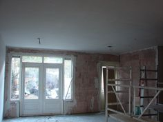 plafond loopt mooi door naar de keuken