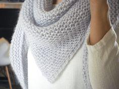 for mine smukke børn, men ikke det …: Min sjal i angora Angora, Pedicure Socks, Stitch Patterns, Knitting Patterns, Knitting Ideas, Dou Dou, Knitting Accessories, Knitted Shawls, Knitting Socks