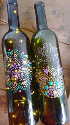 Bottle Painting, Dot Painting, Bottle Art, Bottle Crafts, Mandala Dots, Recycled Bottles, Zentangles, Small Gifts, Glass Bottles