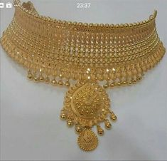 Black And Gold Jewelry Product Gold Jewelry Simple, Indian Wedding Jewelry, Bridal Jewellery, Jewellery Shops, Gold Jewellery Design, Fashion Jewelry, Gold Fashion, Fashion Necklace, Gold Necklace