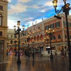 """The Venetian, Macau! Our experience staying in """"Venice"""" :)"""