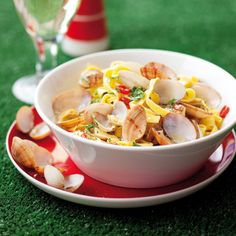 Tagliatelle vongole: A low fat fresh pasta dish with baby clams. Baby Clams, Fresh Pasta, Recipe Search, Pasta Dishes, Baking Recipes, Delicious Desserts, Fat, Italy, Dinner