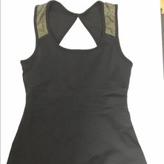 sale Gpow workout tank. Nwot. Gpow athletics. Small. Gold shimmer details by shoulder. Circle open back. Side inserts for padding (does not include padding). Gpow athletics Tops Tank Tops