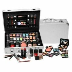 This extraordinary set will enable you to create thousands of looks for all skintones, desires and occasions. Perfect gift for Teenage girl.