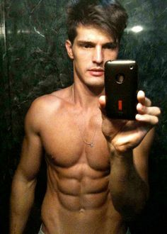 Diego Miguel Shirtless Selfie Showing 6 Pack Abs