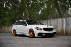 Mercedes-Benz E63 AMG Estate with HRE P104 in Brushed Copper