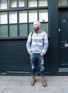 old guy with swag . dont see a lot of those Seattle Fashion, Vintage Hipster, Fashion Editor, Good Looking Men, Modern Man, Male Models, Hot Guys, Bomber Jacket, Cute Outfits