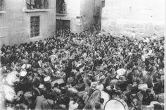 La Rompida de la Hora en la plaza de la Hoya, años 60