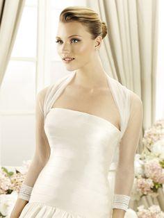 Bridal Jacket.  Sterenborg Bruidsmode  www.sterenborgbruidsmode.nl