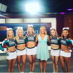 Love this team❤️ I don't do cheer but love the great white sharks Cheerleading Cheers, Cheerleading Pictures, Cheer Stunts, Cheer Jumps, Team Cheer, Volleyball Pictures, Softball Pictures, Cheer Picture Poses, Cheer Poses
