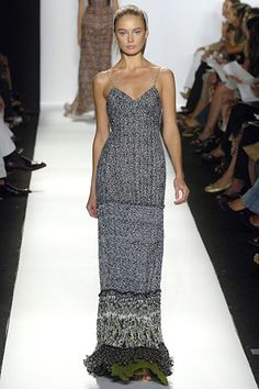Oscar de la Renta Spring 2006 RTW Navy & Ivory Column Gown with a hint of Olive Green at the Hem