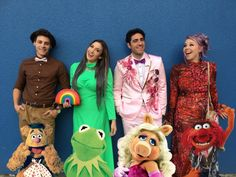 sarahsnitch:Thingamavlogs as the Muppets - Dapper Day Fall 2016 Disneybound Inspiration for your next Disney trip! Sassy Disney, Disney Mode, Disney Prom, Cute Disney, Disney Style, Disney Cosplay, Disney Costumes, Walt Disney World Vacations, Disney Trips