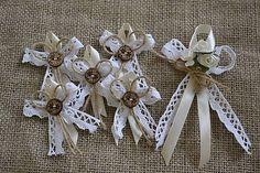vintage pierka veľké Wedding Pins, Diy Wedding, Rustic Wedding, Wedding Day, Jute Crafts, Ribbon Crafts, Ribbon Bows, Wedding Centerpieces, Wedding Bouquets