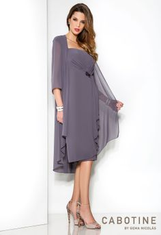 Fashion Mother Of The Bride Dress With Jackets New Ruffled Chiffon Plus Size Women Summer Dress Online-Shop mode die mutter der braut kleid mit jacken neue chiffon plus size frauen sommerkleid Mother Of The Bride Gown, Mother Of Groom Dresses, Bride Groom Dress, Bride Gowns, Mothers Dresses, Mother Bride, Bride Suit, Mob Dresses, Plus Size Dresses