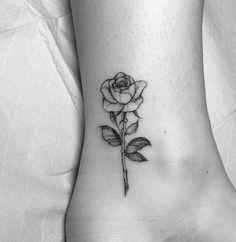 ohana tattoo ideas sisters - ohana tattoo _ ohana tattoo ideas _ ohana tattoo with flower _ ohana tattoo small _ ohana tattoo for men _ ohana tattoo ideas families _ ohana tattoo ideas sisters _ ohana tattoo with flower hibiscus Dream Tattoos, Mini Tattoos, Cute Tattoos, Leg Tattoos, Black Tattoos, Body Art Tattoos, Tattoos For Guys, Portrait Tattoos, Buddha Tattoos