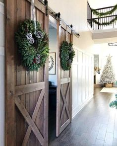 Warm And Cozy Farmhouse-Inspired Christmas Decorating Ideas Decorating your home with farmhouse-inspired Christmas decor can be cozy, warm and timeless, especially during the holiday season. Country Farmhouse Decor, Farmhouse Style Kitchen, Modern Farmhouse Kitchens, Farmhouse Door, Cottage Farmhouse, Farmhouse Furniture, Farmhouse Ideas, Farmhouse Remodel, Decorating Your Home