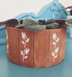 vaso de madeira customizado.