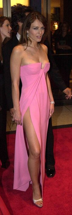 2000: At a fashion awards in New York, but Liz is not showing any new styles...