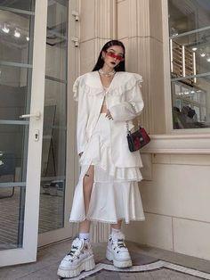 Korean Outfits, Kpop Fashion Outfits, Edgy Outfits, Asian Fashion, High Fashion, Womens Fashion, Mode Streetwear, Streetwear Fashion, Aesthetic Fashion