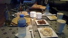 """""""Al ayyame el bid"""" of de witte dagen day 1, op het menu van el iftaar: - koud water - smoothie met banaan walnoten en dadels. - Aardappel salade - Beghrir en gevulde msemmen  - tajine met gehaktballen en eieren - kleine mokkataart  - En berrad atay Takabbala Allahu minna wa minkom inchaAllah"""