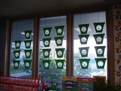 Much cuter than me taping plain ziploc bags to the window! 1st Grade Science, Kindergarten Science, Science Classroom, Teaching Science, Science Activities, Science Lessons, Life Science, Preschool Garden, Plant Science