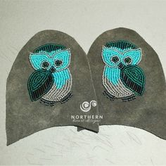 vamp or mitt panel, larger or additional on top panels Native Beading Patterns, Beaded Necklace Patterns, Beadwork Designs, Native Beadwork, Beaded Bracelets, Owl Patterns, Bead Loom Patterns, Beading Projects, Beading Ideas