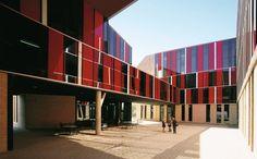 Auch die Schlafräume der St. Edwards University in Austin, Texas stammen von...