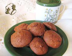 Banana and raisins cookies http://www.legumechef.com/en/the-recipes/recipe-book/item/592-galletas-de-pl%C3%A1tano-chocolate-y-pasas