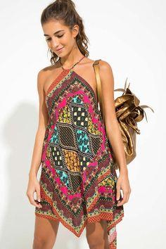 10 outfits estilosos para enfrentar o calor. Vestido estampado vestidos 10 outfits estilosos para enfrentar o calor - Guita Moda Hippie Style, Mode Hippie, Bohemian Mode, Komplette Outfits, Stylish Outfits, Summer Outfits, Fashion Outfits, Hippie Outfits, Beach Dresses