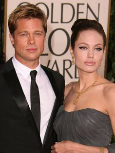 Brad Pitt and Angelina Jolie.Brad Pitt and Angelina Jolie with kid. Brad Pitt and Angelina Jolie.Brad Pitt and Angelina Jolie wallpapers. Brad And Angie, Brad Pitt And Angelina Jolie, Funny Dog Photos, Funny Pictures For Kids, Hollywood Couples, Celebrity Couples, Celebrity Pics, Hollywood Style, Photoshop