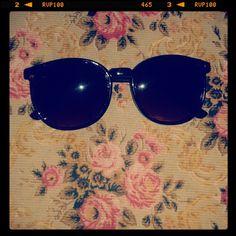 Depois de quase 3 meses de espera, eis que chega. #bleudame #glasses