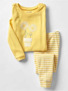 Shop Gap for comfortable and adorable baby girl pajamas. Find pajamas sets for baby girls, footed one-piece styles and robes in a variety of colors and prints. Kids Nightwear, Cute Sleepwear, Girls Sleepwear, Cute Pajama Sets, Cute Pajamas, Pajamas Women, Girls Fashion Clothes, Teen Fashion Outfits, Kids Fashion