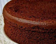 Bizcochuelo de chocolate humedo y esponjoso