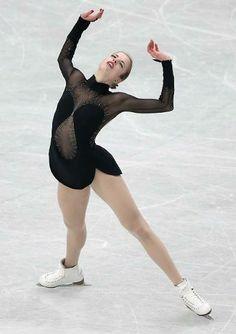 Carolina Kostner wins bronze at Worlds 2014.