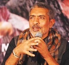 Prakash Jha wants to make film on police-society relation | News | Bollywood | Fundoofun.com
