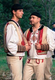 Area of village Polomka, Horehronie region, Central Slovakia. Folk Clothing, Folk Costume, Kebaya, Czech Republic, Folklore, Hungary, Campaign, Embroidery, Clothes