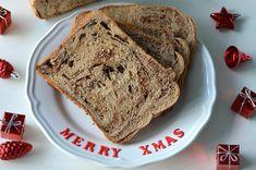 Het is weer weekend! En dat vieren we met versgebakken chocoladebrood uit de broodbakmachine! Ideaal voor de zondagmorgen en straks de kerstbrunch.