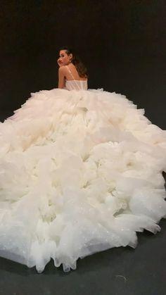 Pretty Prom Dresses, Ball Dresses, Ball Gowns, Tea Length Wedding Dress, Wedding Dress Sleeves, Wedding Dress Trends, Bridal Wedding Dresses, Wedding Looks, Couture Dresses