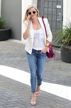 Reese Witherspoon blaser branco para baixinhas