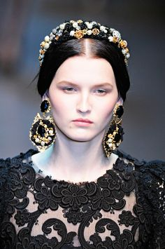 Dolce & Gabbana (Love this! Makes me think of Queen Isabella of Spain)