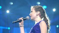 Když začal zpívat muž, publikum jen spokojeně naslouchalo. Jakmile se přidala 12letá dívka, všem divákům se zatajil dech! | JenŽeny.cz