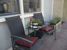 www.debergpoort.nl Bed and breakfast in het centrum van Deventer maar op een rustige locatie. Lekker in het zonnetje!!!