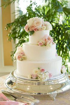 Classically Elegant Summer Wedding Classic rose-adorned cake: www. Black Wedding Cakes, Fall Wedding Cakes, Wedding Cakes With Flowers, Beautiful Wedding Cakes, Wedding Cake Designs, Wedding Cake Toppers, Beautiful Cakes, Summer Wedding, Wedding Cake Centerpieces