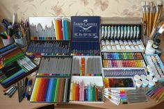 Drawing Tools, Painting & Drawing, Colores Faber Castell, Graf Von Faber Castell, Art Supplies Storage, Font Design, Graphic Design, Coloured Pencils, Watercolor Pencils